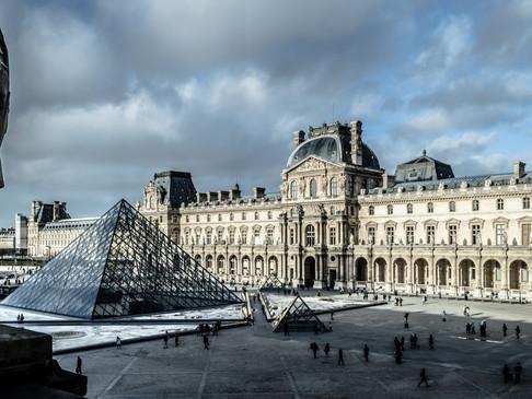 Secret Tales of a Historic Metropolis