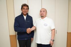 宍戸開さんと取材後の握手