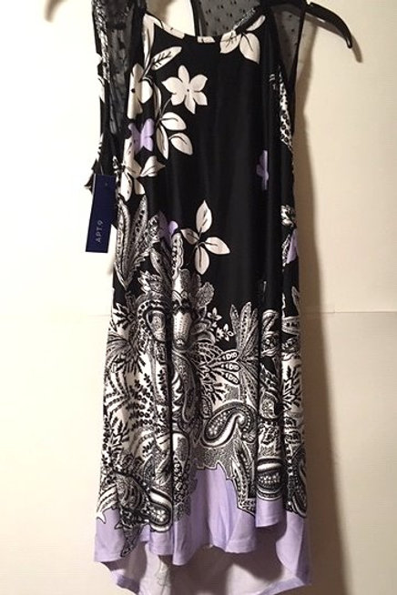 Ladies Size Medium Black Paisley Floral Sleeveless Gown