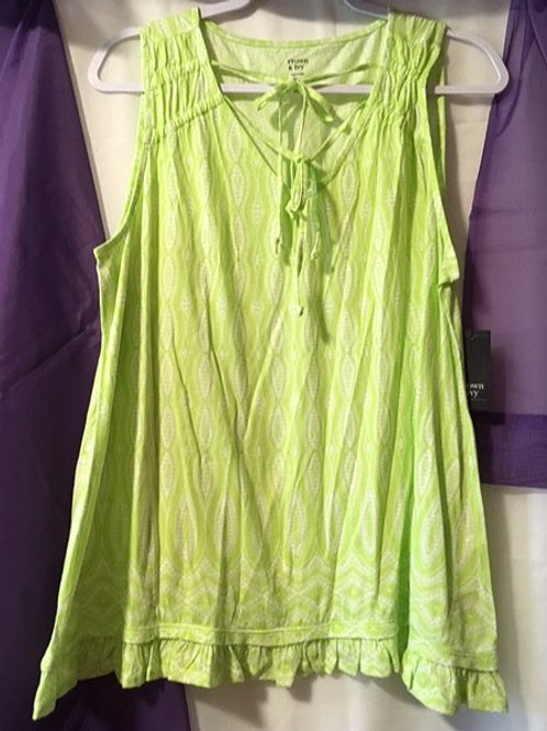 Ladies Size Large Green White Sleeveless Top