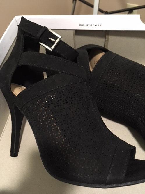 Ladies size 6.5 highheel shoes