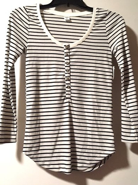 Juniors Size XS Black White Long Sleeve Henley Top