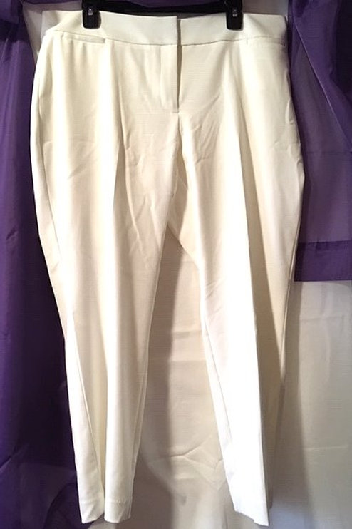 Ladies Petite Size 14 P Winter White Skinny Dress Slacks