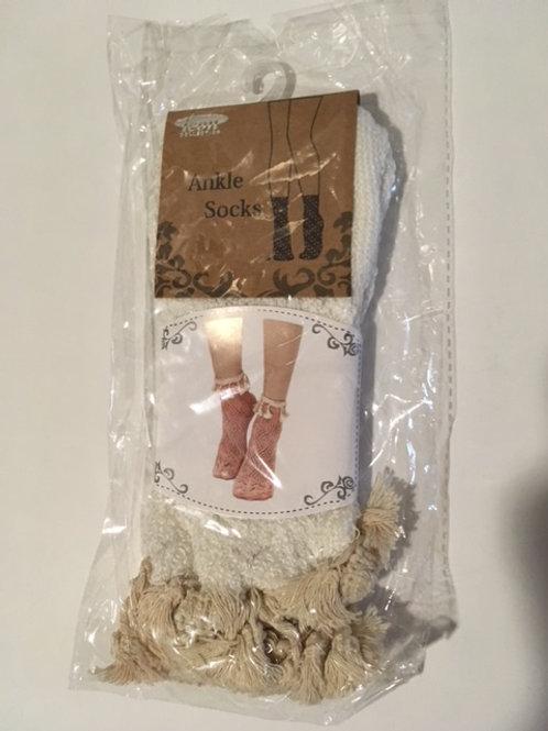 Ladies White Ankle Socks