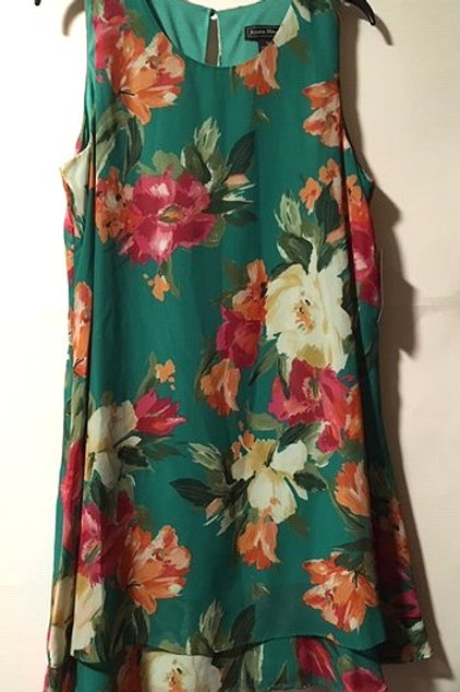 Ladies Size 14 Green Floral Sleeveless Jessica Howard Dress