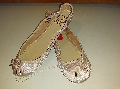 Ladies Size 6 1/2 Pink Shoes