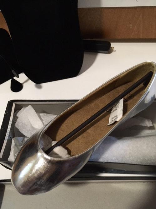 Ladies Dooballo Size 8 Silver Shoes