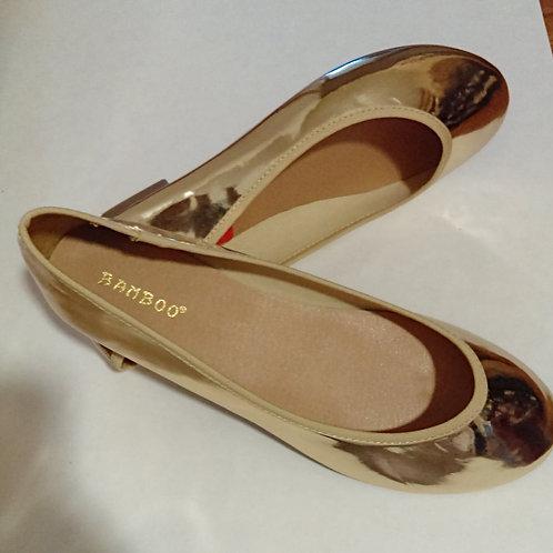 Ladies Size 8 1/2 Gold Shoes