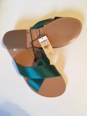 Ladies Size 10 Teal Sandals