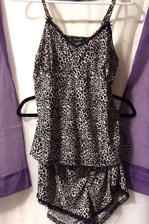 Ladies Size Large Summer Leopard Lingerie Set