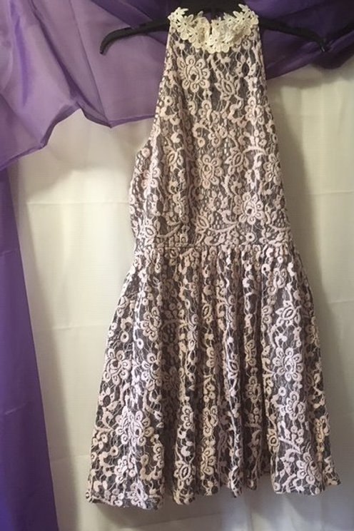 Juniors Size Medium Pink Gray Embroidered Lace Dress