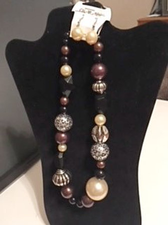Ladies Large Bauble Necklace & Earrings