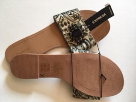 Ladies Size 9 Slide Sandal