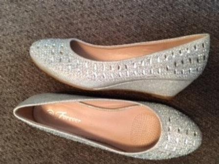 Ladies Size 8 Silver Rhinestone Shoes