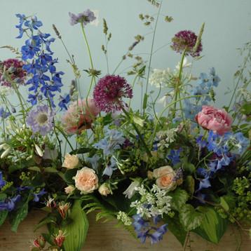 rouwstuk-blauw-wit-met-tuinranken.jpg