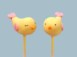 Birdie cake pops