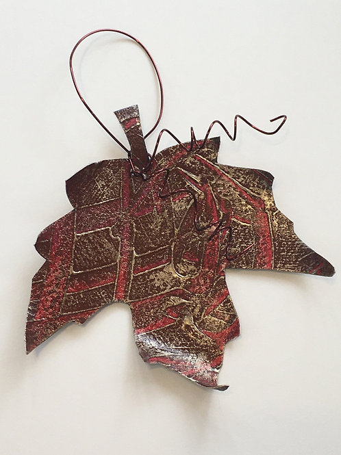 Maple leaf ornament- red