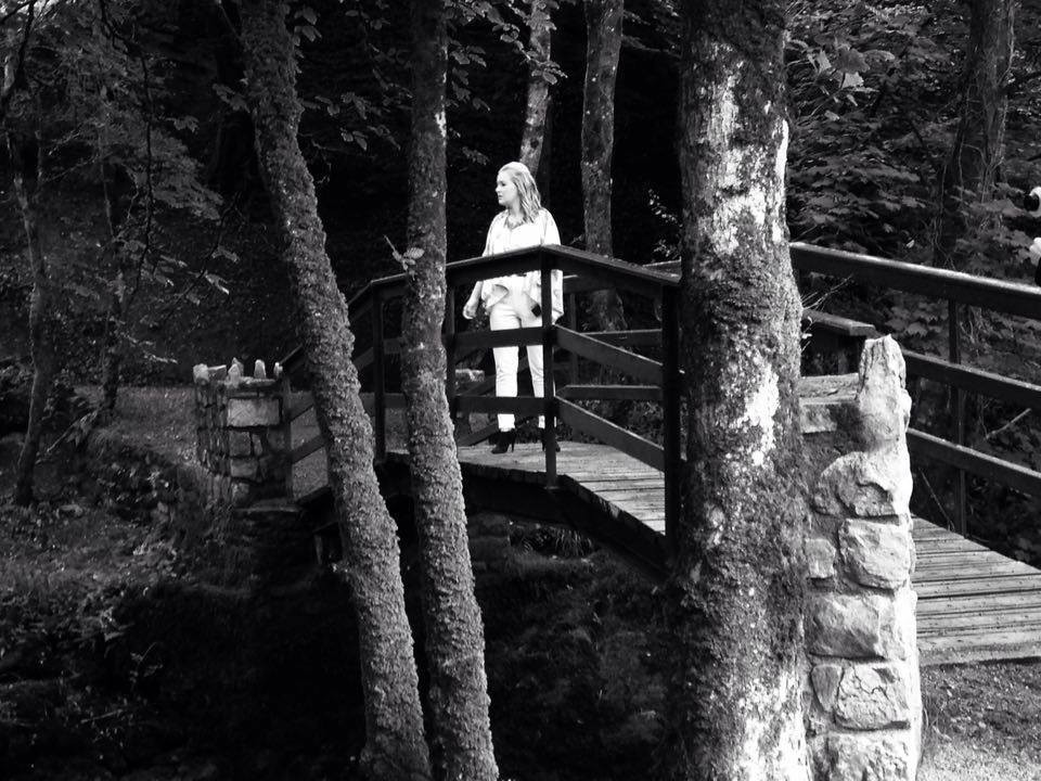 Emma Dobbyn as Alice during the Welcome to Wonderland trailer filming