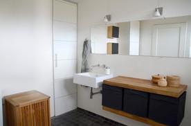 Badeværelse m lys uden indblik