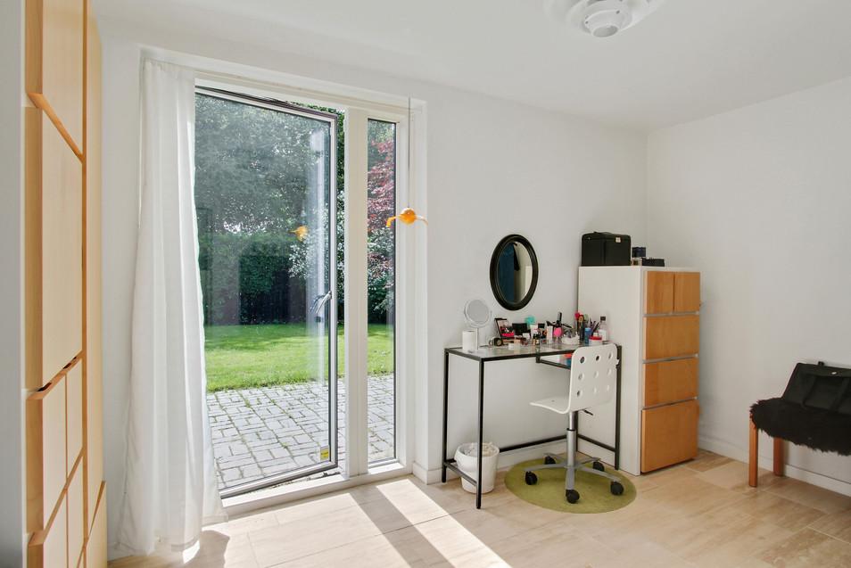 multirum_og_2_lyse_værelser_m_udgang_til_ny_terrasse_giver_bedre_og_flere_m2
