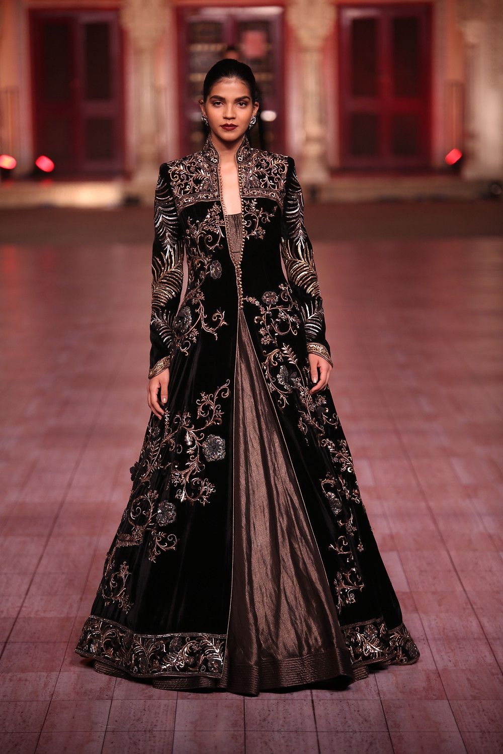 fine embroidery at rohit Bal show at city palace