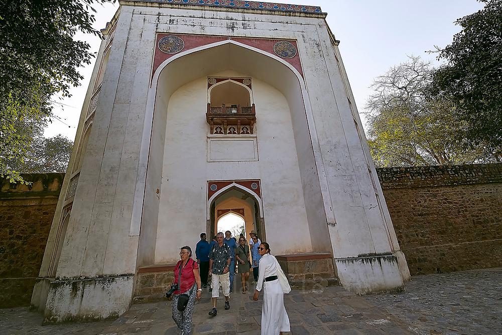 fasad of Humayu tomb