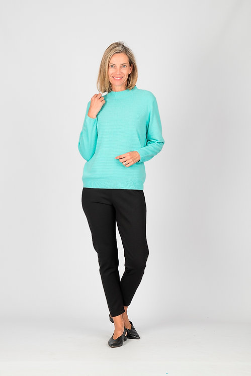 Crew Neck Patterned Knit Top - Style 0434