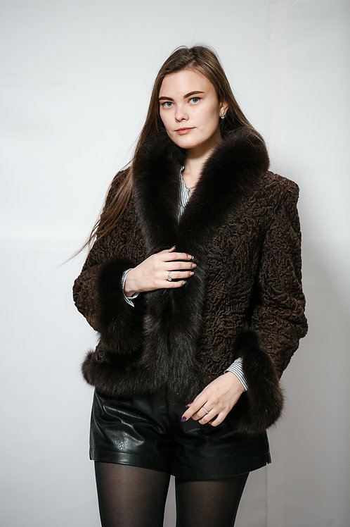 Куртка из меха каракуля