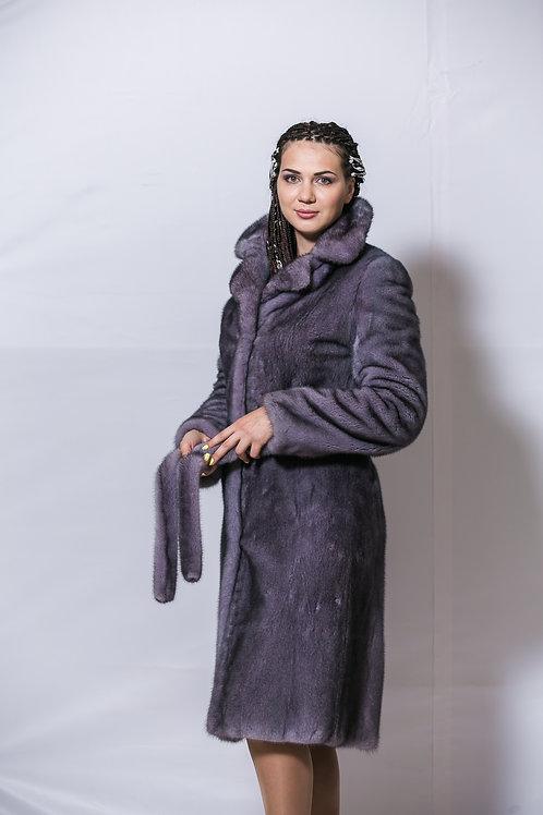 Пальто из меха норки с английским воротником