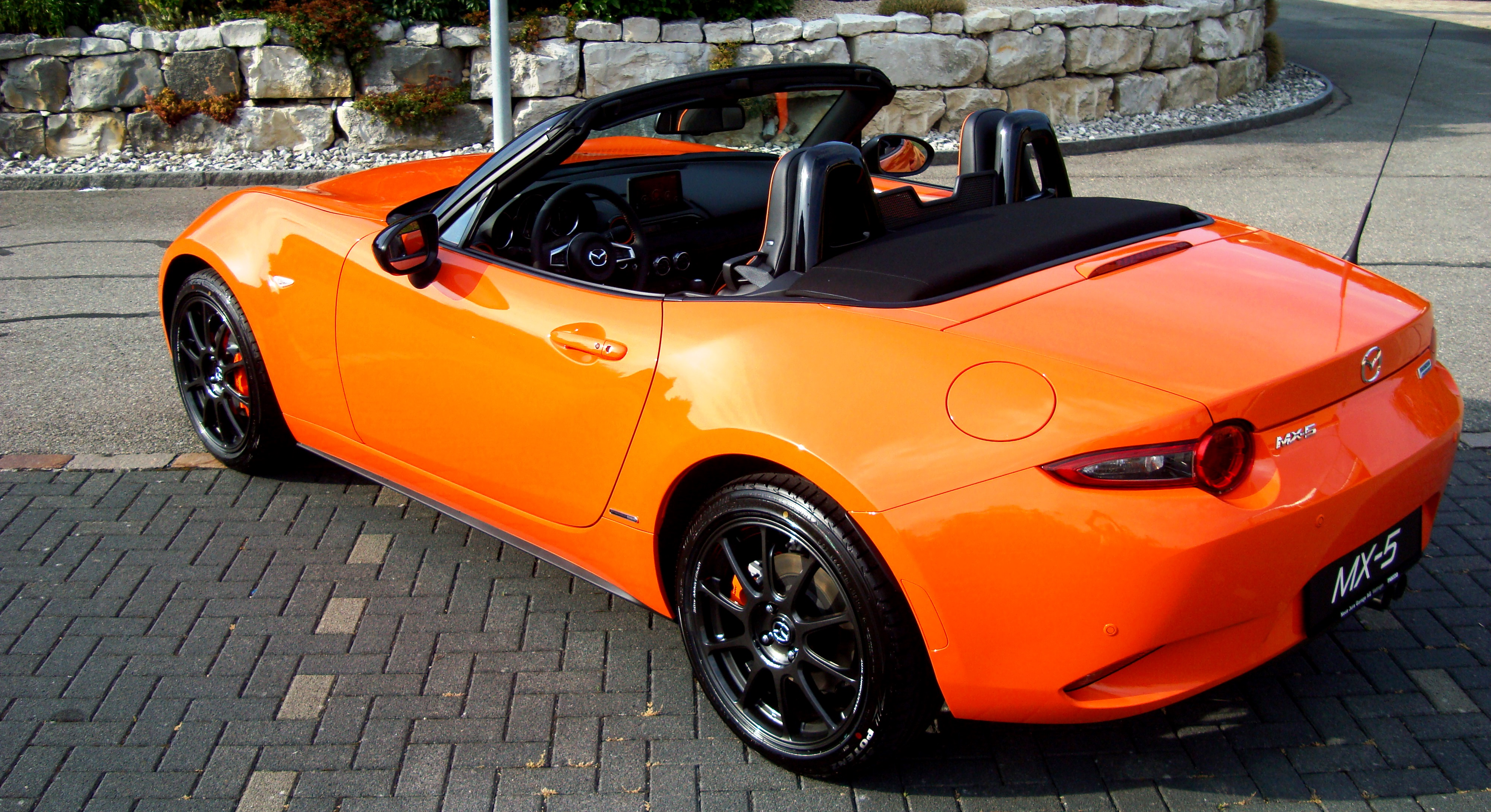 MX-5 Orange 080