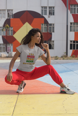 tee-mockup-of-a-sporty-woman-posing-in-a