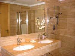 Eneas Master Ensuite Bathroom