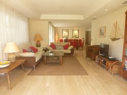 Eneas reception rooms