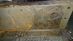 extreme Erosionserscheinungen am Stahl