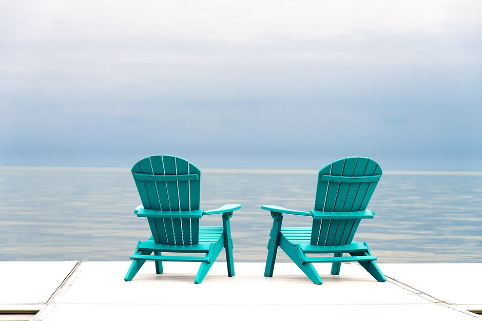 Two beach chairs_520562776.jpg