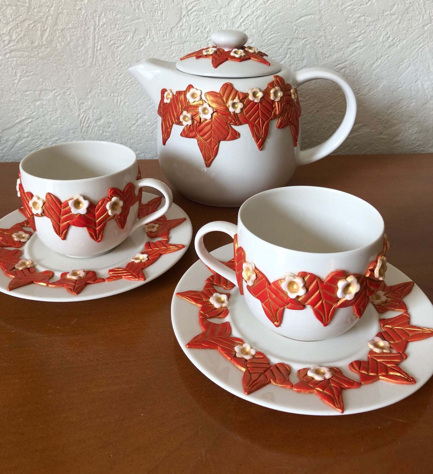 Yvi tea set (£75)