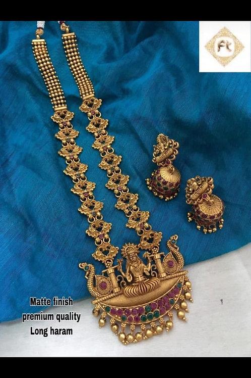 Gold matte finish necklace
