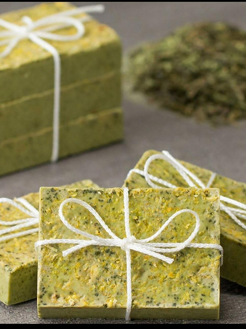 Highly moisturizing green tea and lemon handmade soap