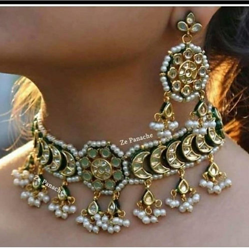 Beautiful necklace with earings