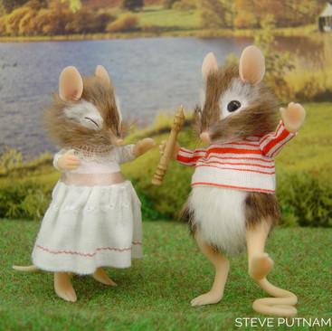 Brambly Hedge Mice - Steve Putnam Design