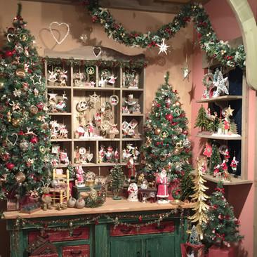 Santa's Toy Workshop - Christmas Display