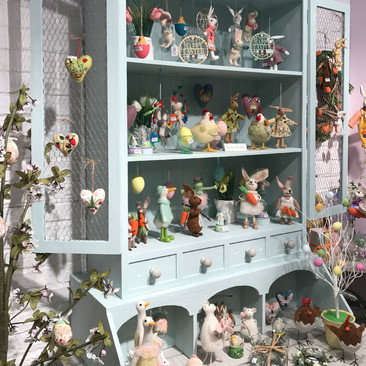 Country Dresser - Easter Display