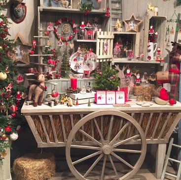 New England Country - Christmas Display