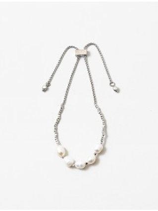 Lilli Pearl Bracelet