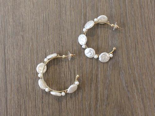 Tani Pearl Earring
