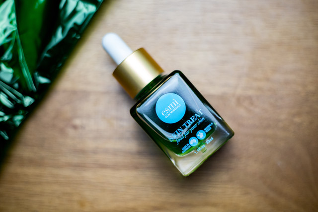 esmi Skin Minerals / Peppermint Green Oil