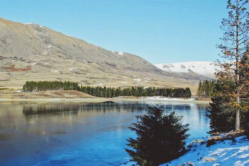 Frozen Lakes, Mount Sunday (Canon 550d)