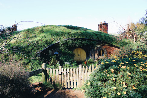 Hobbit holes, Hobbiton, Matamata (Canon 550d)