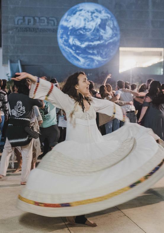 אור קפלן, ריקודים בככר הבימה