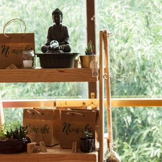 Nenenki, yoga, meditación y cuencos